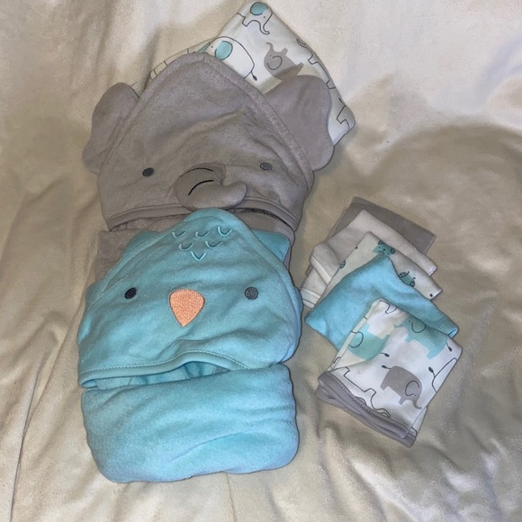Set of Carter's Baby Towels and wash cloths